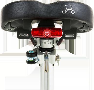 使用我们的照明范围在夜间骑行时,请保持安全可见。